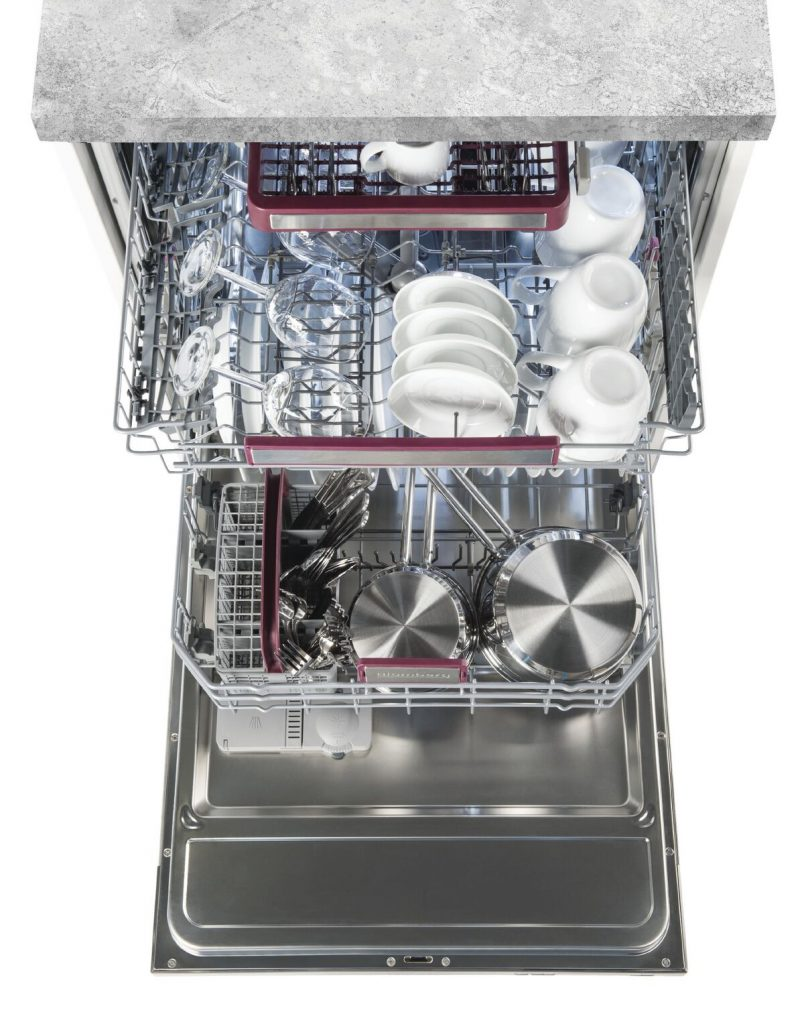 Paragraph 3 – Blomberg-Dishwasher_Open-Overhead_preview