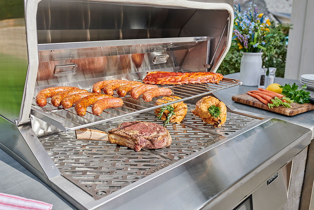 Pellet-Grill-with-food_1
